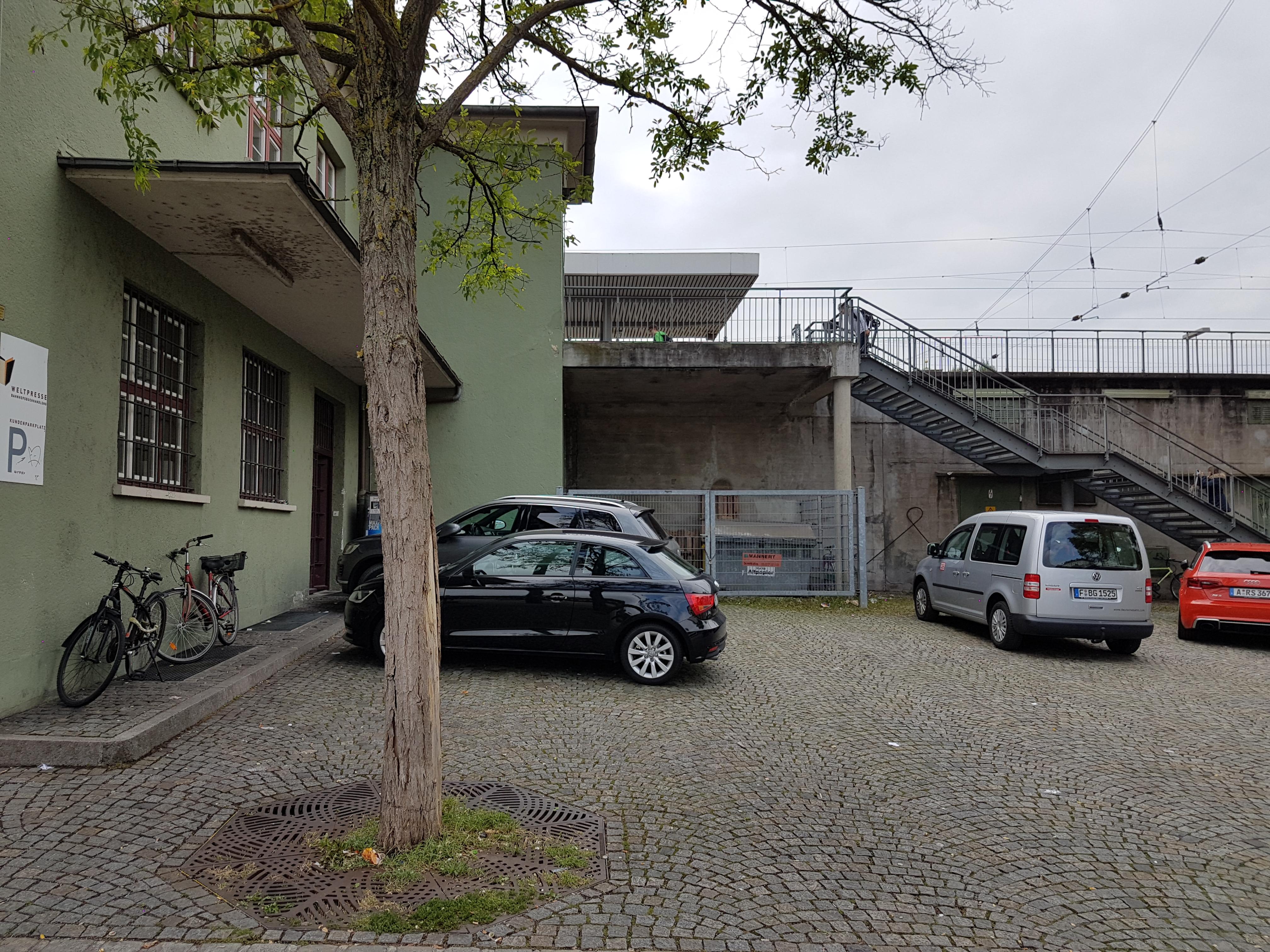 Bild 2 - separater Treppenzugang