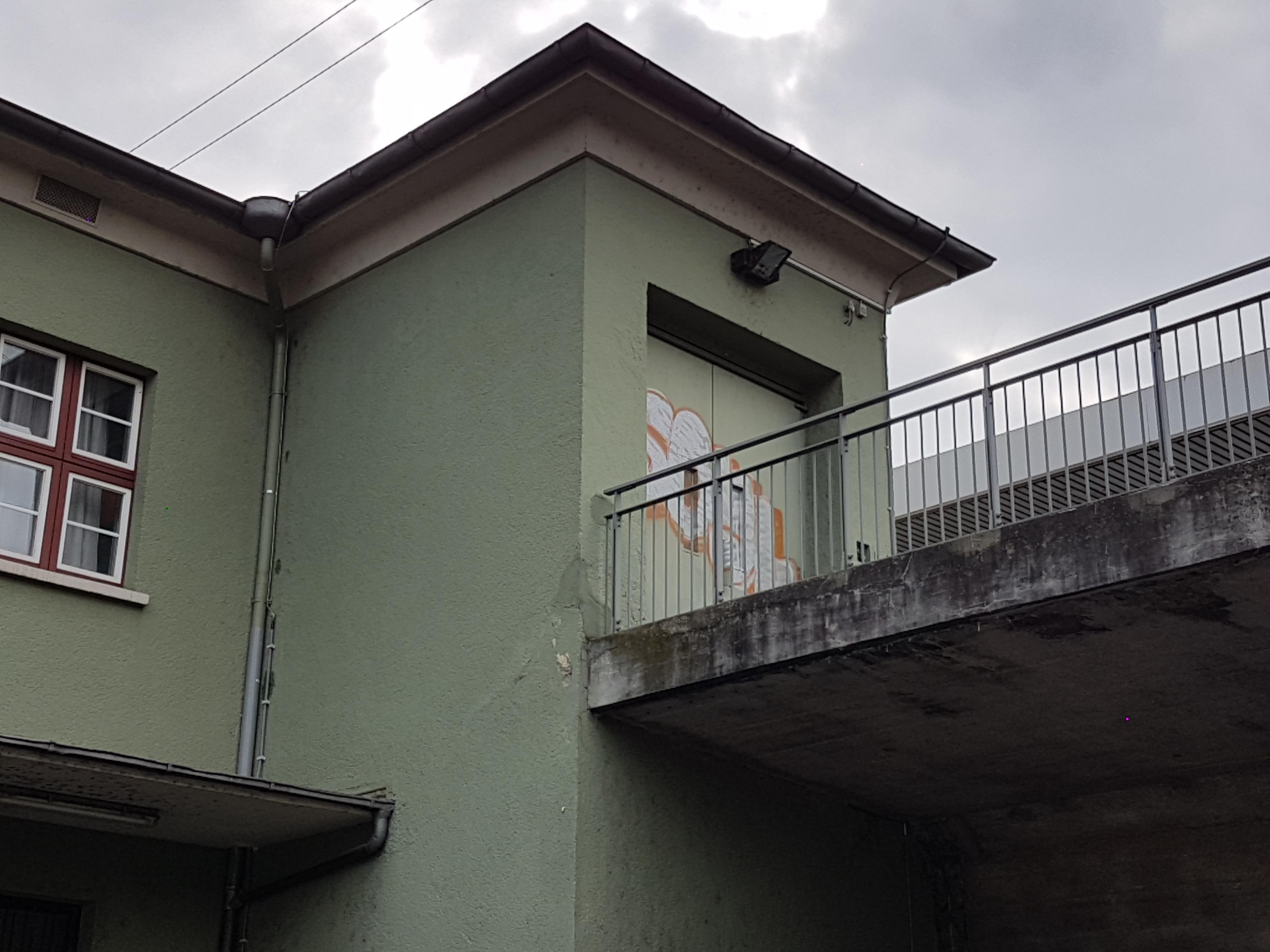 Bild 3 - separter, neu zu gestaltender Eingang